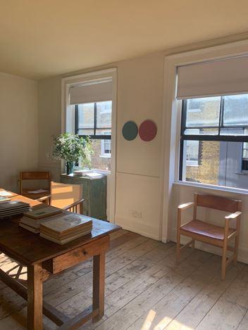 Exhibition view: Paul Cezanne: Drawings | Tess Jaray: Roundels, Karsten Schubert, London (15–30 September 2020). Courtesy Karsten Schubert.