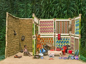 Walé Lokito and her belongings by Patrick Willocq contemporary artwork