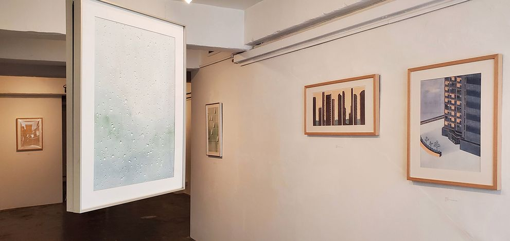 Exhibition view: Carmen Ng,Flowers in the Window,Karin Weber Gallery, Hong Kong (24 February–31 March 2021). Courtesy Karin Weber Gallery.