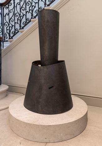 Exhibition view: Alison Wilding,Acanthus, asymmetrically,Offer Waterman, London (27 May–21 June 2017). CourtesyKarstenSchubert.