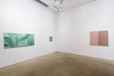 Exhibition view of Suyong Kim, Drift, 2016 at ONE and J. Gallery, Seoul. Courtesy ONE and J. Gallery.