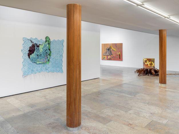 Exhibition view: Group Exhibition,Infinite Games, Capitain Petzel, Berlin (21 November 2020–30 January 2021). Courtesy Capitain Petzel. Artworks:Rodney McMillian, Untitled(2019),Stefanie Heinze, As You Treat Me (Specious Prosperities)(2020),Jorge Pardo,Untitled (2012),