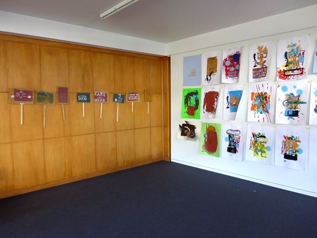 Exhibition view: GRUPPENKRANKENHAUS, Hamish McKay, Wellington (17–31 August 2019). Courtesy Hamish Mckay.