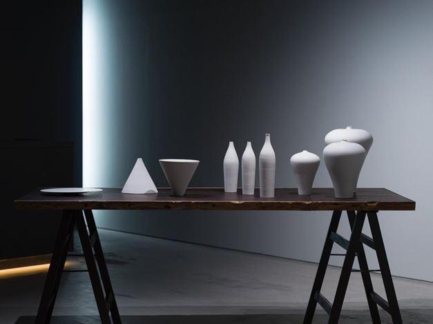 Exhibition view: Enrico Castellani, Taizo Kuroda, Piero Manzoni, nullus, The Club, Tokyo (27 July–15 August 2020). Courtesy The Club. Photo: Kei Okano.