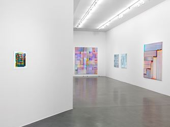 Exhibition view: Bernard Frize, Blackout in the Grid, Simon Lee Gallery, London(17 May–30 June 2018). Courtesy the artist and Simon Lee Gallery.