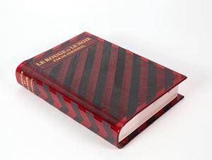Le Rouge et Le Noir by Yoko Ono contemporary artwork sculpture, print