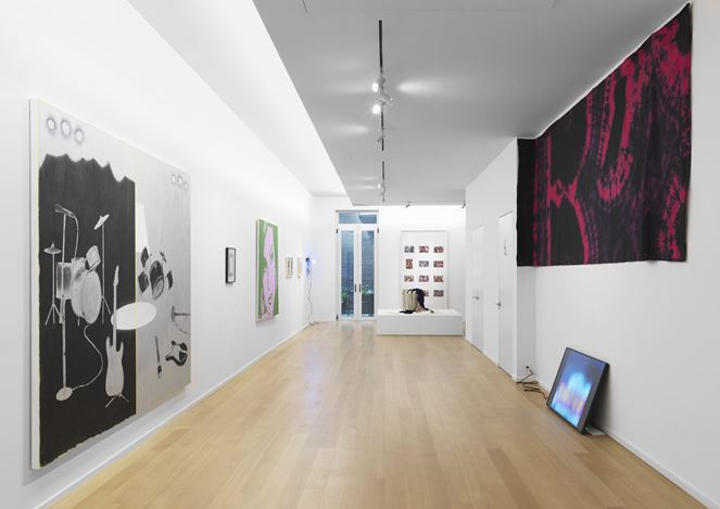 Exhibition view: Group Exhibition,New Pleasure, Simon Lee Gallery, New York (1 November–23 December 2017). Courtesy the Artists and Simon Lee Gallery, New York/ London.