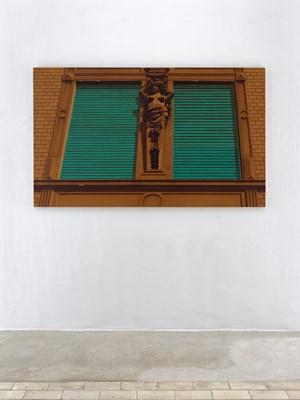 Closed (smoked stucco) by Hendrik Krawen contemporary artwork