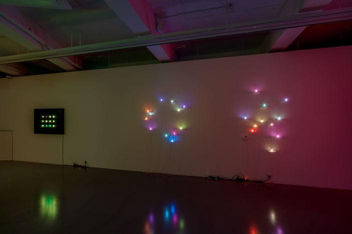 Exhibition view: Tatsuo Miyajima,Connect with Everything, Gallery Baton, Seoul (26 November 2020–8 January 2021). Courtesy Gallery Baton. Photo:Jeon Byung Cheol.