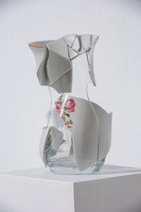 Frágil IV by Julia Llerena contemporary artwork sculpture