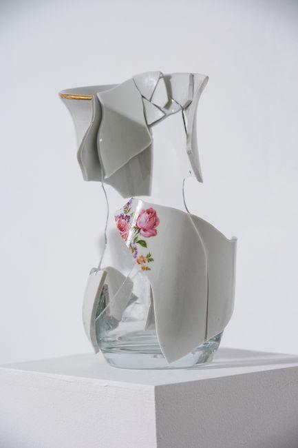 Frágil IV by Julia Llerena contemporary artwork