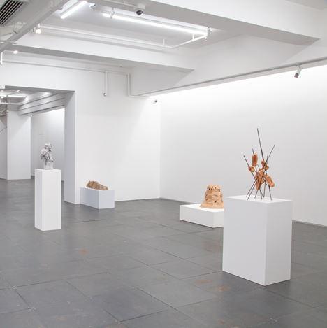 Exhibition view: Wing Po So, From the Body to the Body Through the Body 由體而始,至體而成,自體而過, de Sarthe, Hong Kong (7–21 September 2019) Courtesy de Sarthe.