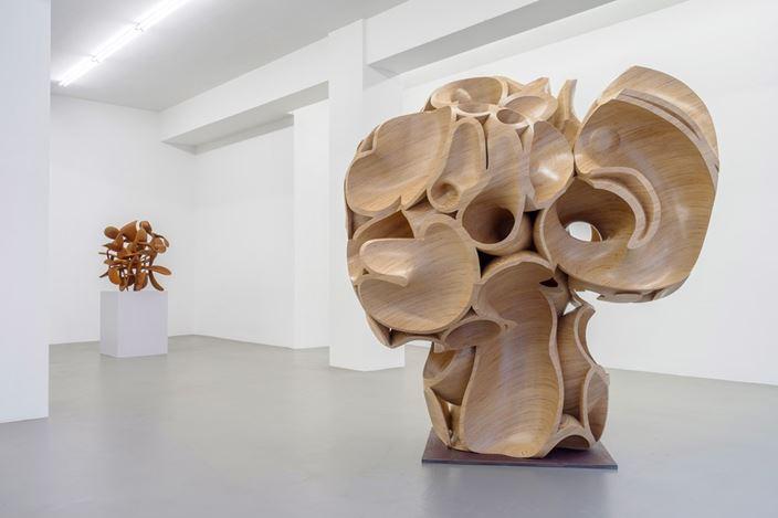 Exhibition view: Tony Cragg, Buchmann Galerie, Berlin (17 November 2018–16 February 2019). Courtesy Buchmann Galerie.