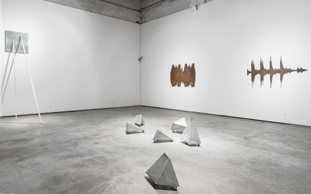 Exhibition view: Group exhibition, Metal Matters: Reflection to Oxidation, ShanghART, M50, Shanghai (12 June–25 August 2014). Courtesy ShanghART.