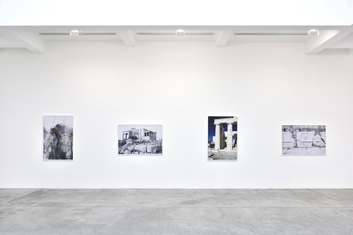 Exhibition view: James Welling, The Earth, the Temple and the Gods, Galerie Marian Goodman, Paris (24 January–14 March 2020). Courtesy Galerie Marian Goodman.
