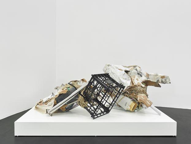 Danica Barboza, Interposition 007th : Hupnos — Pomp? (2019). Exhibition view: Danica Barboza,Omnia - Mercurial, Interposition,Galerie Buchholz, Cologne (10 April–1 June 2019). Courtesy Galerie Buchholz.