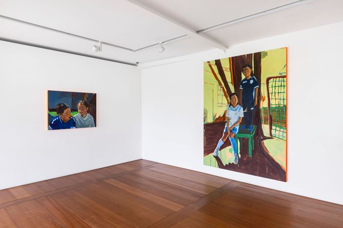 Exhibition view: Claire Tabouret, SIBLINGS, Perrotin, Seoul (7 May–10 July 2020). Courtesy the artist and Perrotin.