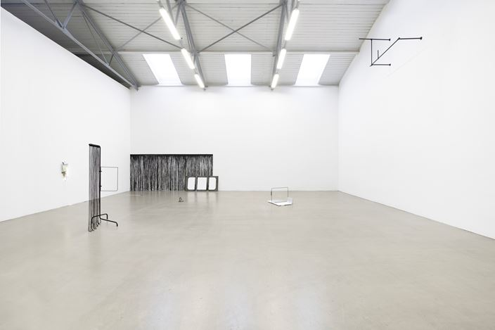 Exhibition view: Stef Heidhues, Die Souffleure, Galeri EIGEN + ART, Leipzig (11 January–22 February 2020). Courtesy Galerie EIGEN + ART Leipzig/Berlin. Photo: Uwe Walter, Berlin.