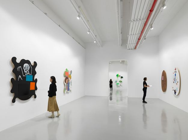 Exhibition view: Mike Kelley, Timeless Painting, Hauser & Wirth, 22nd Street, New York (12 November 2019–25 January 2020). © Mike Kelley Foundation for the Arts. All Rights Reserved/VAGA at ARS, NY. Courtesy the Foundation and Hauser & Wirth. Photo: Dan Bradica.