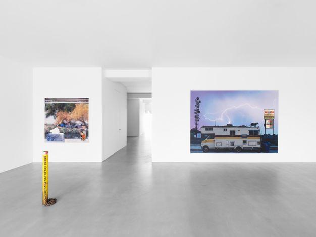 Exhibition view: Sayre Gomez,True Crime, Xavier Hufkens, Van Eyck (15 April–15 May 2021). Courtesy Xavier Hufkens, Brussels. Photo: Allan Bovenberg.