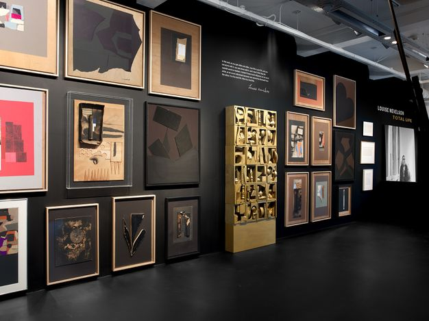 Exhibition view: Louise Nevelson, Total Life, Lévy Gorvy, London (24 June–11 September 2021). Courtesy Lévy Gorvy.