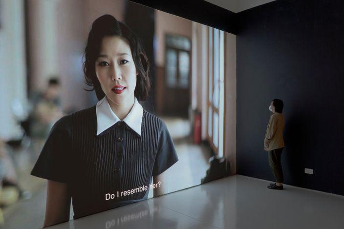 Exhibition view: Zhu Jia, Shifting Times, Moving Images: Zhu Jia, ShanghART Singapore (21 May–18 June 2021). Courtesy ShanghART.