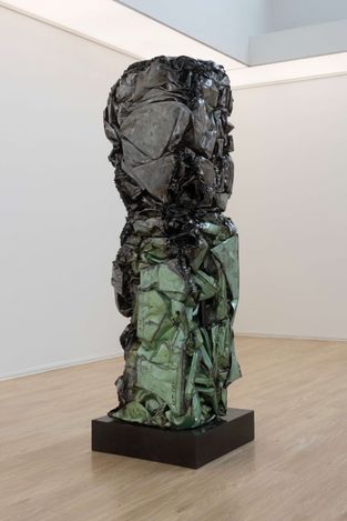 Exhibition view: Xu Qu, Rejuvenation, Tang Contemporary Art, Beijing (13 March–5 May 2021). Courtesy Tang Contemporary Art.
