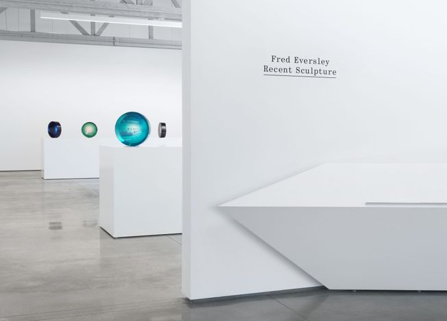 Exhibition view: Fred Eversley, Recent Sculpture,David Kordansky Gallery, Los Angeles (20 March–1 May 2021). CourtesyDavid Kordansky Gallery.