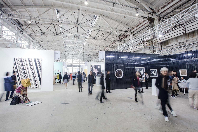 West Bund Art & Design Fair, 2016, interior. Image courtesy West Bund.