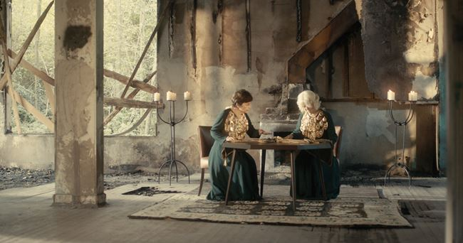 Necklace of Time by Kalliopi Lemos & Nancy Atakan contemporary artwork
