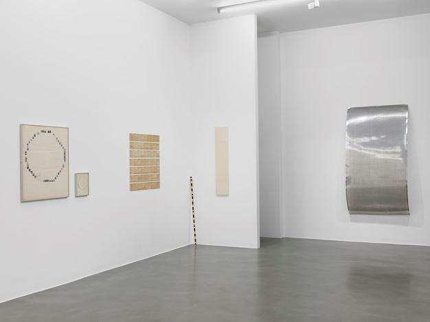 Exhibition view: Group Exhibition,Towards Infinity: 1965–1980, Simon Lee Gallery, London (4 July–7 September 2018). Courtesy Simon Lee Gallery.