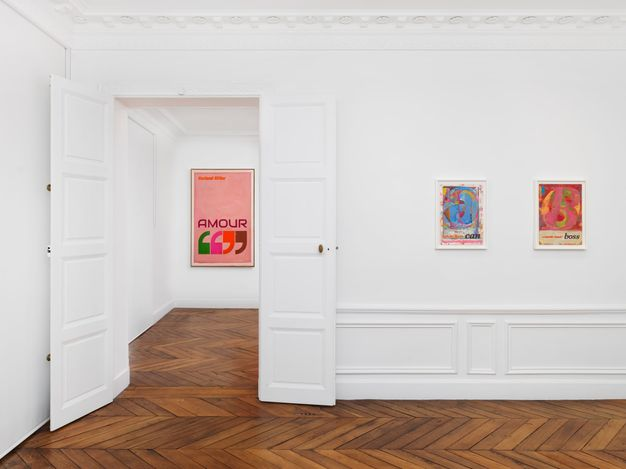 Exhibition view:Harland Miller, The French Letter Paintings, White Cube, Paris (10 September–8 October 2021). Courtesy White Cube.