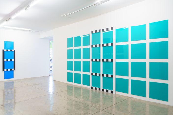 Exhibition view: Daniel Buren, New Grids: Bas-reliefs, situated works, 2021, Galeria Nara Roesler,São Paulo (23 August–23 October 2021).Courtesy Galeria Nara Roesler.