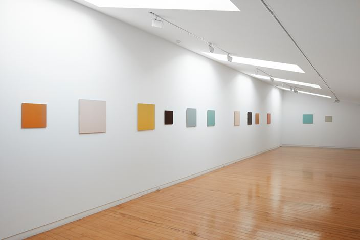 Exhibition view: Simon Morris, Colour follows light, light follows colour, Two Rooms, Auckland (5 September–10 October 2020). Courtesy Two Rooms.