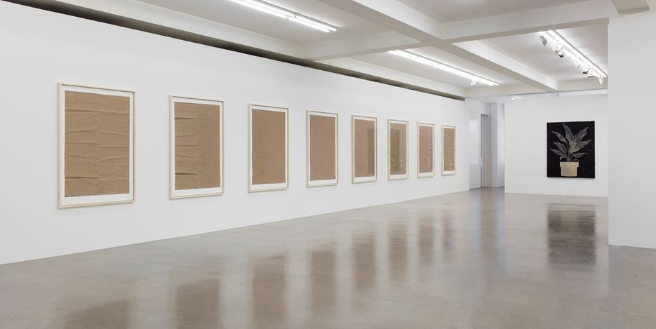 Exhibition view: Analia Saban, Folds and Faults, Sprüth Magers, Los Angeles (28 June–19 August 2017). © Analia Saban Courtesy Sprüth Magers. Photo: Brian Forrest.