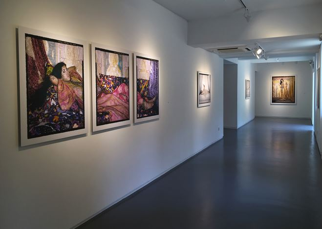 Exhibition view: Lalla Essaydi, Truth and Beauty, Sundaram Tagore Gallery, Singapore (26 October 2018–12 January 2019). Courtesy Sundaram Tagore Gallery.