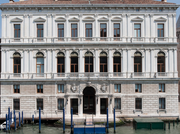 Damien Hirst will show at Pinault Palaces in Venice next year