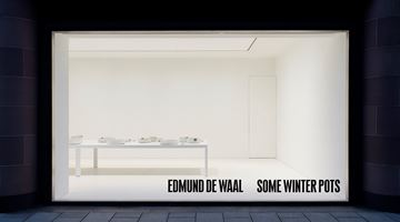 Contemporary art exhibition, Edmund de Waal, some winter pots at Gagosian, Davies Street, London