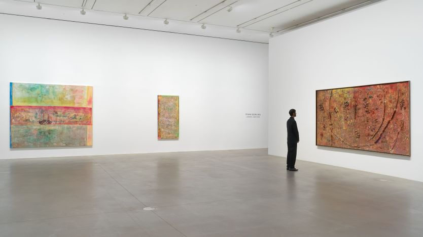 Exhibition view: Frank Bowling, Frank Bowling – London / New York, Hauser & Wirth, London (21 May–31 July 2021). Courtesy the artist and Hauser & Wirth.Photo: Alex Delfanne.