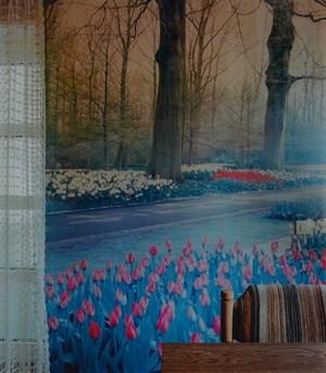 Tulpenpark hinterm Tisch (aus der Serie 'Domestic Landscapes') by Thomas Wrede contemporary artwork