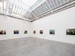"Philip-Lorca diCorcia<br><span class=""oc-gallery"">David Zwirner</span>"