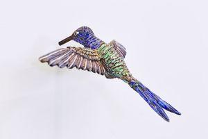 hummingbird (híbrido) by Efrain Almeida contemporary artwork