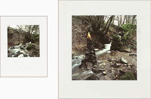 Stone stack wrapped with leaves by Andy Goldsworthy contemporary artwork