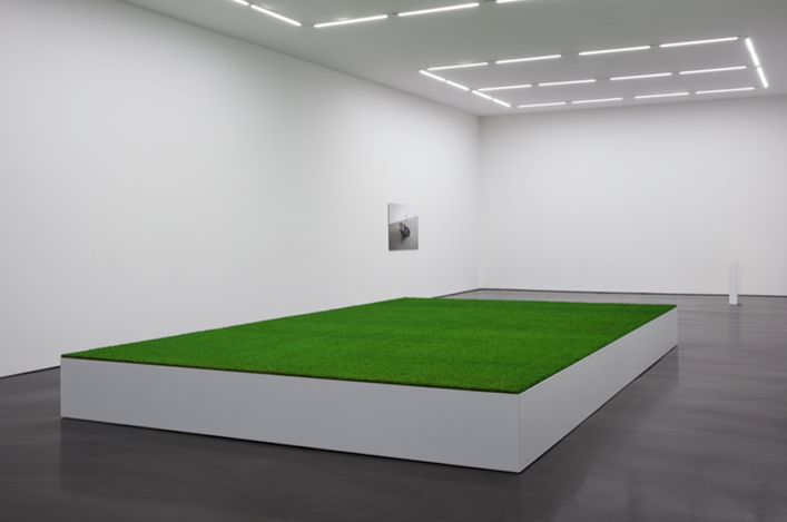 Exhibition view: Ceal Floyer, Esther Shipper, Berlin (16 March–14 April 2018). Courtesy Esther Schipper.Photo: © Andrea Rossetti.