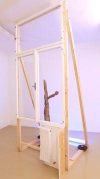 Noch immer warten auf bessere Aussichten by Linus Riepler contemporary artwork sculpture