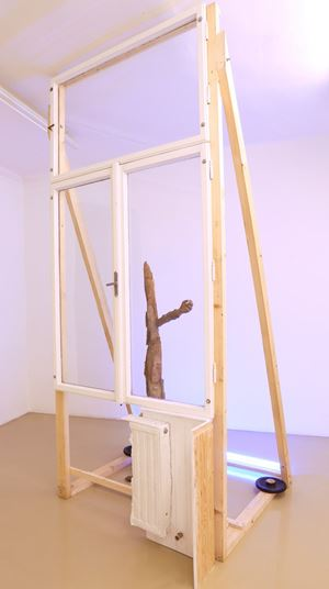 Noch immer warten auf bessere Aussichten by Linus Riepler contemporary artwork