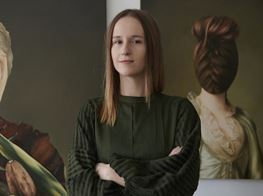Classical Female Portraiture and the Art of Constraint: An Interview with Ewa Juszkiewicz