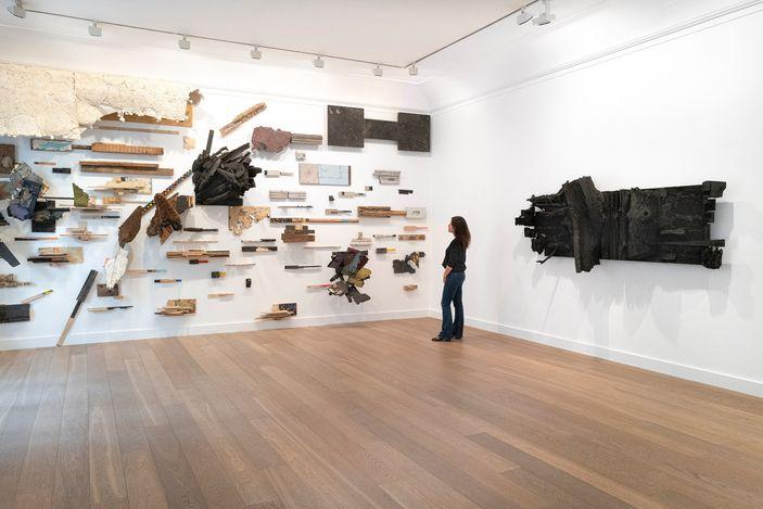 Exhibition view: Leonardo Drew, Galerie Lelong & Co., Paris (20 May–13 July 2021). Courtesy Galerie Lelong & Co.