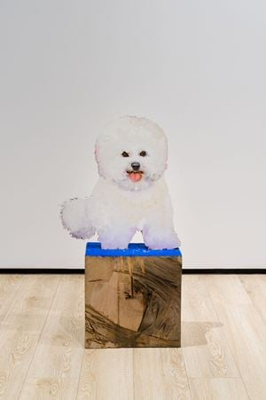 Bichon au socle bleu by Tursic & Mille contemporary artwork
