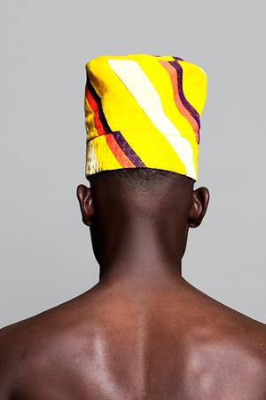 Forbidden Fruit by Lakin Ogunbanwo contemporary artwork photography